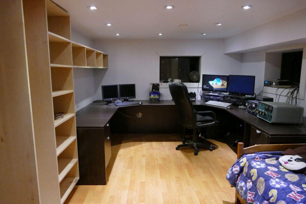 The new radio room at VA7ST